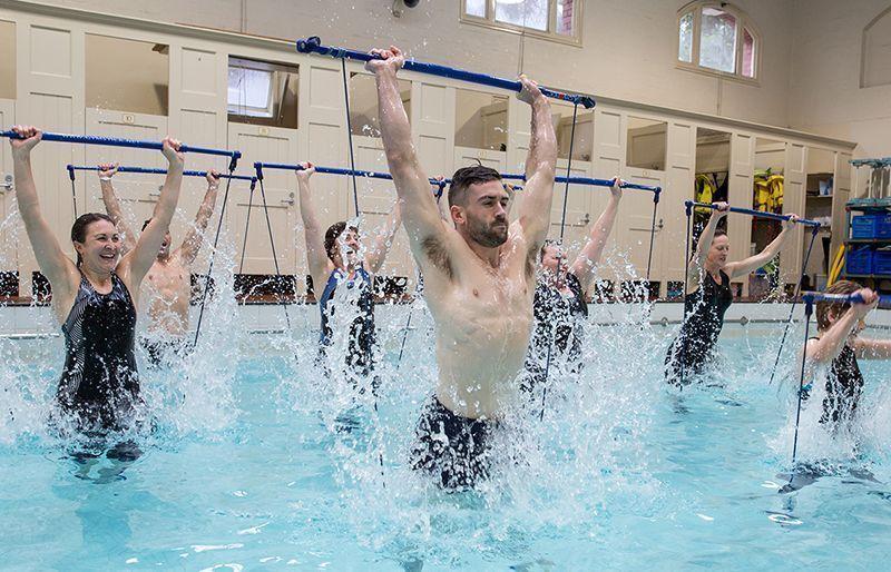 Gymstick Aqua Jumppakeppi vesijumppa